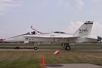 057_nasa_f18_towby_2